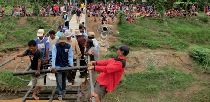 Endmontage in Jawa Timur, Indonesien; Foto: Toni Rüttimann