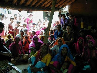 Ümit Konurays erster Besuch bei einer Frauen-Selbsthilfe-Gruppe