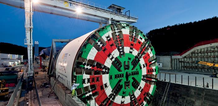 Baustellenmontage der weltgrößten TBM für den Sparvo- Straßentunnel in Italien, EPB-Schild, Durchmesser: 15,55 Meter, Foto: www.herrenknecht.com